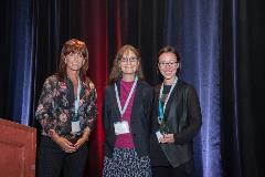 Lisa Jewett receiving her poster award at The Scleroderma Canada 17th Annual National Conference